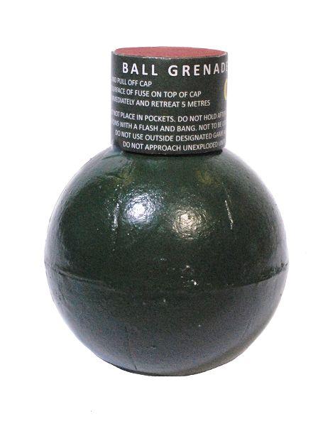 Ball Grenade, Reibzündung, Erbsen